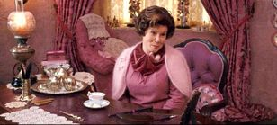 http://www.harry-potter.net.pl/images/articles/830px-umbridge_office.jpg