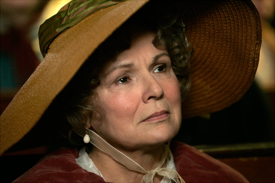 http://www.harry-potter.net.pl/images/articles/juliewalters2.jpg