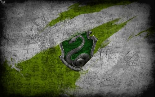 harry_potter_wallpaper_slytherin_by_theladyavatar-d7lcu9g.jpg